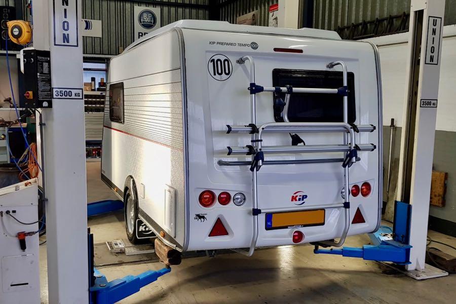 Caravan asrubbers vervangen?