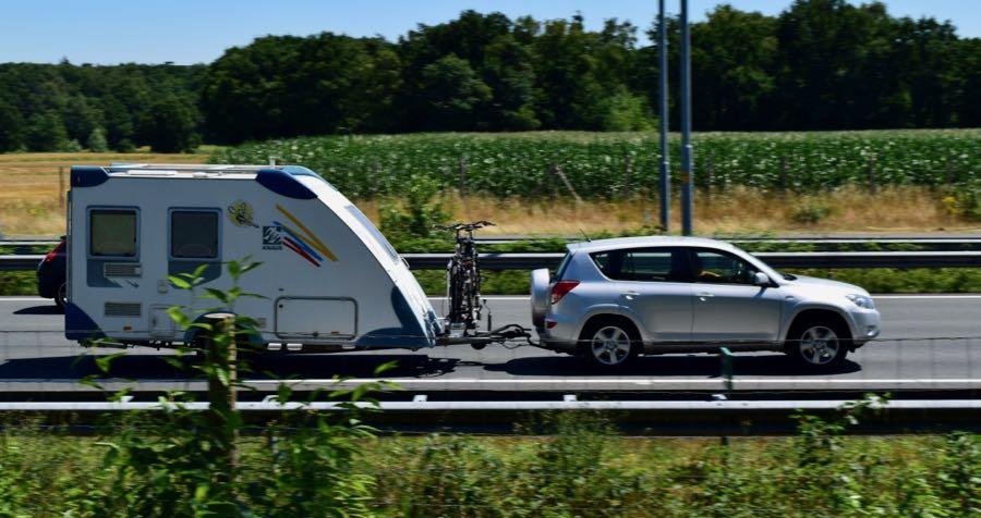 caravan met auto